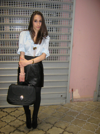 Jovana Bovan - Vintage Shirt, New Yorker Skirt, Vintage Bag, Zara Boots - Black and baby blue