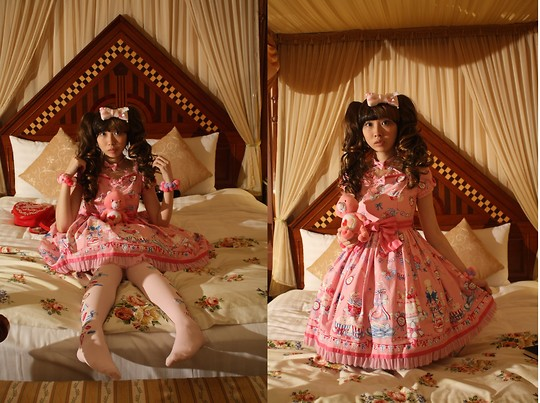 Zairai Chen - Friend Gift Heart Necklace, Friend Gift Pink Bow, Candy Ball Hair Band, Angelic Pretty Merry Making Party Op, Angelic Pretty Red Heart Shoulder Bag, Angelic Pretty Pink Candy Treat Otk Socks - Secret party in victoria room