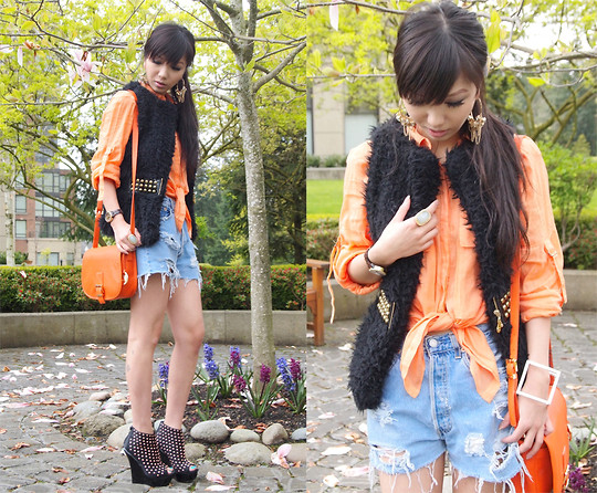 Rebecca Wang - Zara Shirt, Levi's® Vintage Jeans Shorts, Michael Kors Bag, Asos Wedges, Cheap Monday Cuff - We are smelling summer again