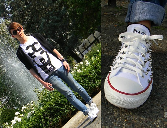 Gianluca OM - 5 Preview Tshirt, Cheap Monday Jeans, Zara Black Cardigan, Converse Studded - Studded Converse