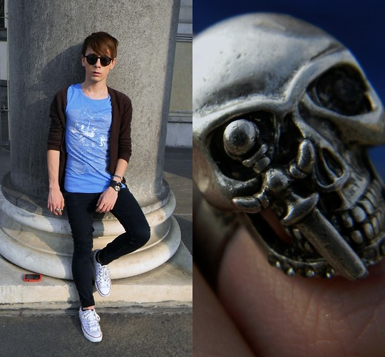 Gianluca OM - H&M Circle Eyewear, H&M Fake Joy Division Tshirt, Cheap Monday Dark Blue Jeans, Skull Ring - Skull Ring