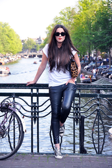 COTTDS Cindy van der Heyden - Converse All Stars, Muubaa Leather Trousers, Asos Leopard Clutch - 03062011