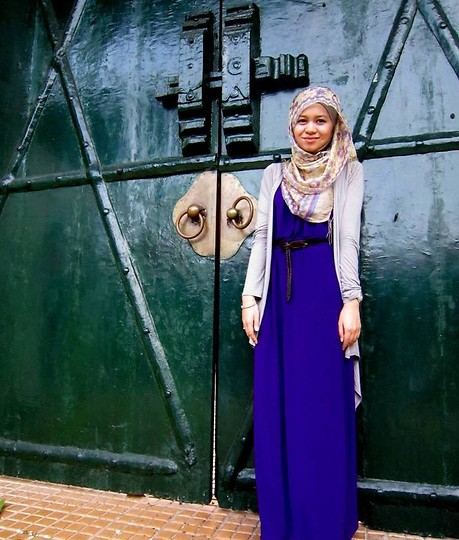 Nadia Sabrina R - Topshop Long Gray Layered, Jogja Batik Shawl, Poplook Purple Maxi - Release Me From These Walls