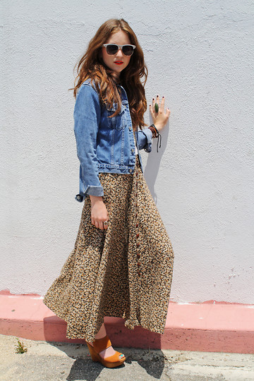 SPIRITANIMALS VINTAGE - Vintage Floral Maxi Skirt, Vintage Jean Jacket, Bakers Wooden Platforms, Cheap Sunglasses - California Country