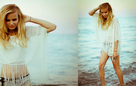 Cathy Gładysz - Primark Tank, Forever 21 Shorts - Blonde, beach, shorts - vacation <3