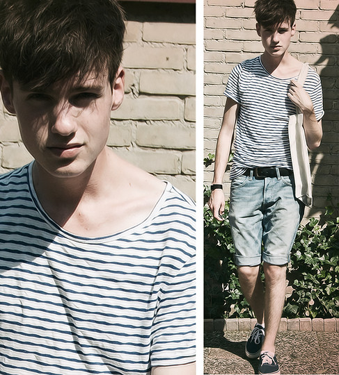 Erwin Bloemendal - H&M Striped Shirt, Adidas Bag, Leather Belt, Denim Shorts, Blue Sneakers - The height of summer