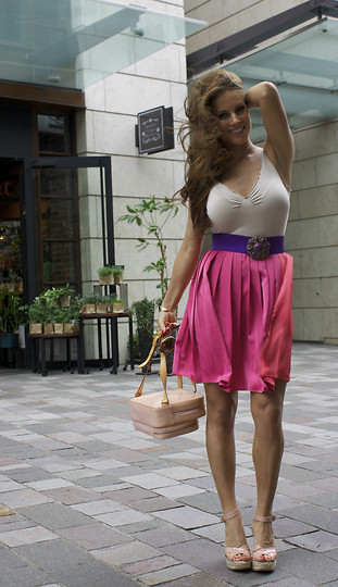 Chanyn Cheree - H&M Knee Length Skirt, Vintage Belt, Jimmy Choo Pink Wedges, Louis Vuitton Back Pack, Bebe Camisole - Windy Wonderland