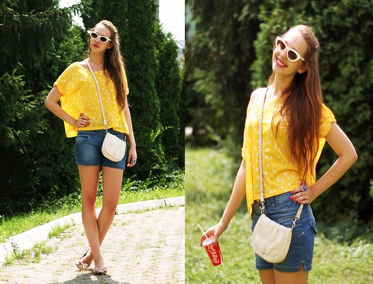 Katerine Shemyakina - H&M Top, H&M Bag, Mango Glasses - Chicken )