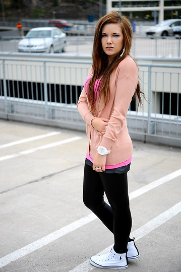Ida Eriksson - H&M Cardigan, B Young Shirt, Mq Leggings, Ralph Lauren Shoes, Jelly White Watch - Pink desire