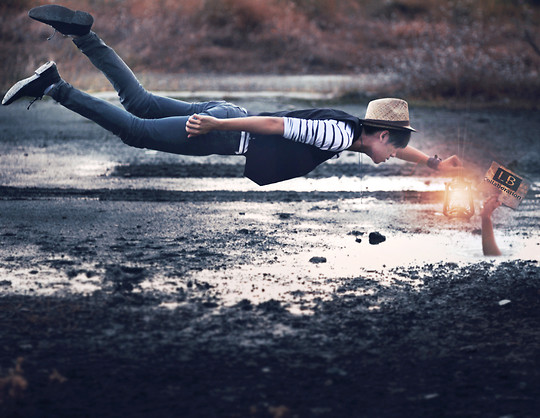 Mike Quyen -  - Flying with lookbook
