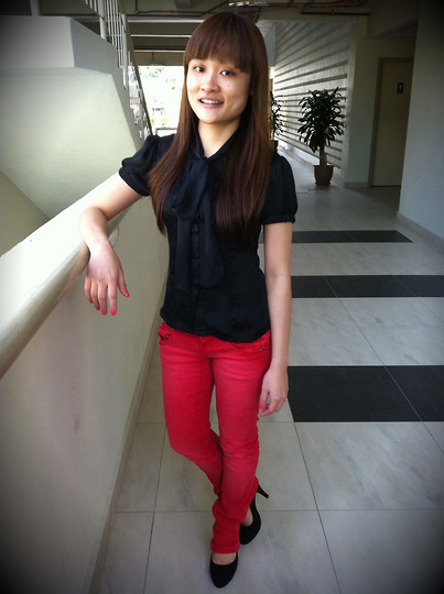 Ashley Liew - Black Bow Tie Top, Red Skinny Jeans, Black Felt Pumps - Mondays are no fun