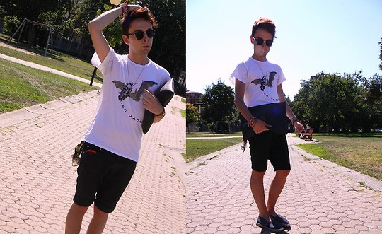 Gianluca OM - Roy Rogers Short, Marc By Jacobs Tshirt, Marc By Jacobs Necklace, Trussardi Pochette - In love with Marc Jacobs