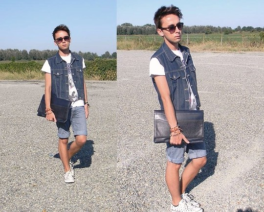 Gianluca OM - Clutch Vintage, Gilet Vintage, Short Jeans, Converse Studded All Star - Jeans on Jeans