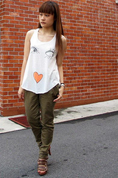 Ashley Liew - Wish Valley: Http://Wishvalley.Blogspot.Com/2011/06/Cool Graphics Top.Html Cool Graphic Top, Brown Pants, Taipei, Taiwan Brown Strappy Heels - Feels like wearing graffiti