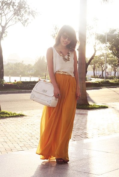Linda Tran N - Top, Stradivarious Maxi Skirt - And the sun will shine all year round ♥