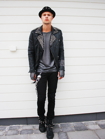 Fredric Johansson - Unknown Studded Hat, Zara Custom Studded Jacket, Byther Mesh, Byther Chain, Byther Studded Pants, Byther Studded Boots - Chilling