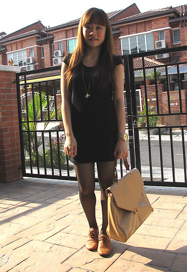 Ashley Liew - Wool Black Dress, Vincci Beige Envelope Bag, Johor Bahru, Malaysia Brown Oxfords - Mr Black, meet Mr Brown