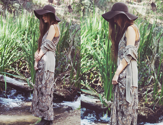 Bethany Struble - Maxi Dress, Waterfall Cardigan, Hat Stand In Santa Monica Floppy Wool - Black River Killer
