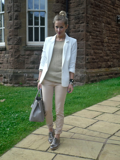Daniella Robins - Miss Selfridge White Blazer, Theory Gold Knitted Top, Zara Peach Jeans, Jil Sander Metallic Silver Brogues - Metallic Would Be Just Peachy