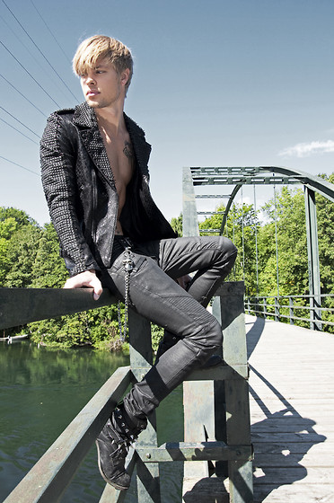 Fredric Johansson - Byther Biker Jeans, Byther Studded Boots, Mangano Skull Chain, Byther Studded Snakeskin Jacket - Over the Bridge