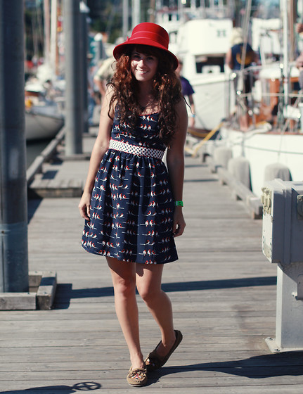 Delightfully Tacky . - Redhatsociety Hat, Modcloth Dress, Minnetonka Shoes - The ship was cheered, the harbour cleared