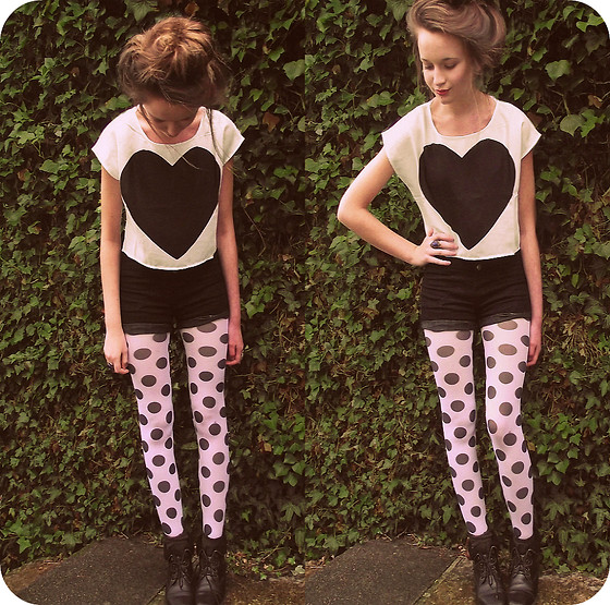 Imogen De Souza - H&M Top, Spotty Tights - Tweet tweet <3