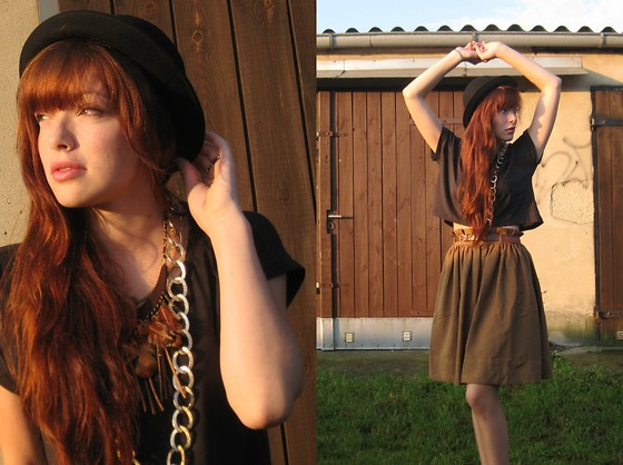 Rosie C. - H&M Melone, Frontrowshop Necklace Spring, Bijou Brigitte Gold Necklace, H&M Skirt - In the sun my hair shine red
