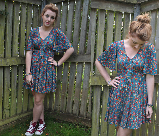 V K - Next Floral Dress, Converse Maroon/Burgundy - Bring me a pigs heart and a glass of wine
