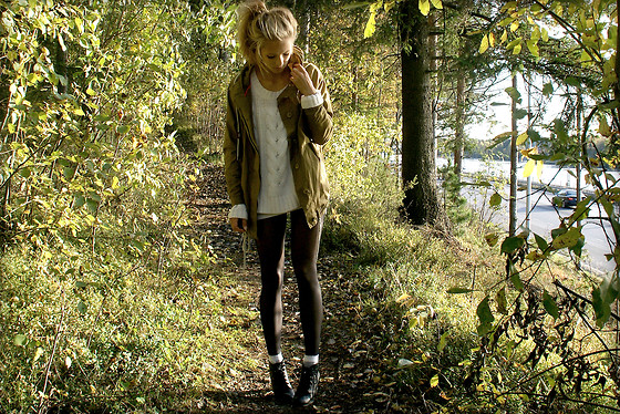 Petra Karlsson - Vila Jacket, Gina Tricot Knited, H&M Boots - My favorite color, green
