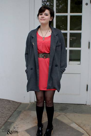Gina S. - Vintage Cat Pin, Primark Blazer Jacket, Oasis Scallop Detail Dress, Oasis Rose Belt, Primark Heart Detail Tights, Chelsea Crew Black Wedges, Betsey Johnson Owl & Bow Necklace - Contrasts.