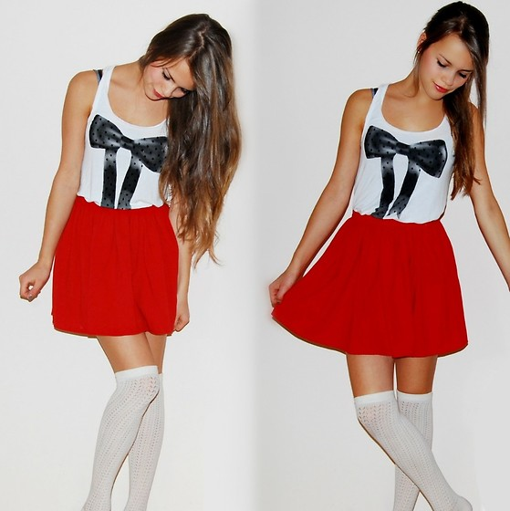 Julia R - American Apparel Red Skirt, H&M Long Socks, H&M Top With Mesh - Rot ; red ; rouge ; rojo ; rosso