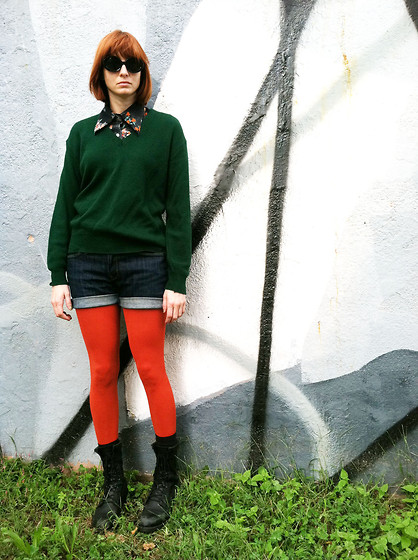 Chrissi B. - Vintage Sweater, Vintage Shirt, Levi's® Shorts, Love Tights - Burnt Orange