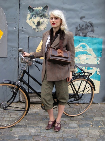 Harrietta Henderson - Vintage30s Fur Stole, Vintage 30s Blouse, Vintage 30s Bag, Vintage 40s Tweed Jacket, Vintage 40s Cycling Trousers, Vintage Shoes - Ezra Street.