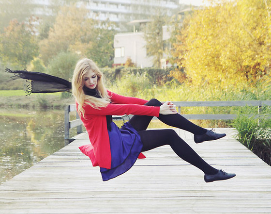 Zuzi * - Dress, La Fayette Red Cardigan - Autumn colour blocking