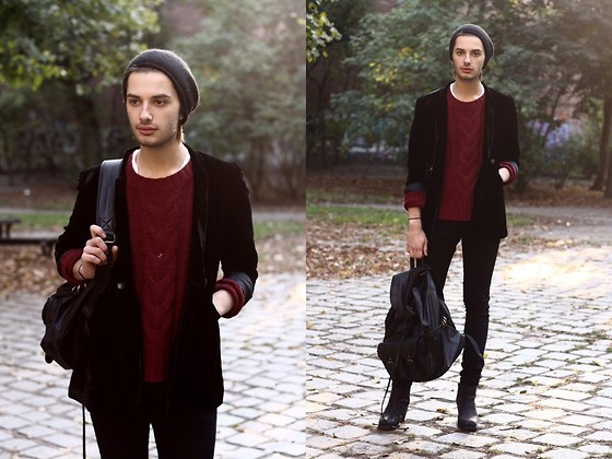Dustin H. - Vintage Blazer, Gina Tricot Sweater, Cheap Monday Jeans, Zara Backpack, Cos Beanie, Acne Studios Shoes - Fall