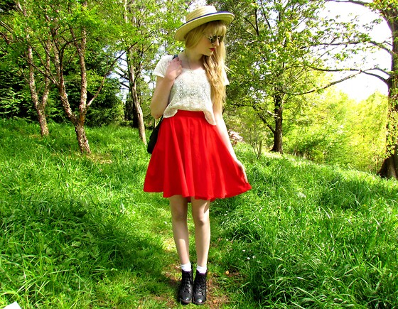 Amy Dunn - Thrifted Straw Boater Hat, Blush Boutique Red Scoophem Skater Skirt - Cinderella
