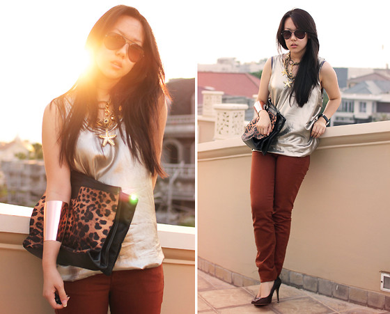 Michelle Koesnadi - H! By Henry Holland Jeans, 3.1 Phillip Lim Gold Tank - GOLD LAMÉ