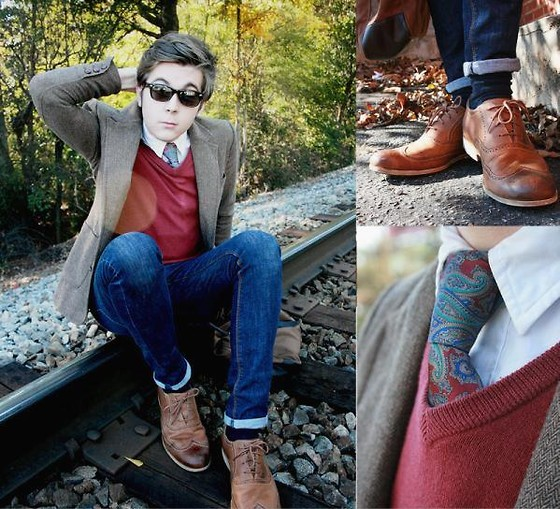 Cody D. - Gift Brogues, Vintage Tie, J. Crew V Neck Jumper, J. Crew Navy Socks, Urban Outfitters Blazer, H&M Skinnies, J. Crew White Shirt - Student Teacher