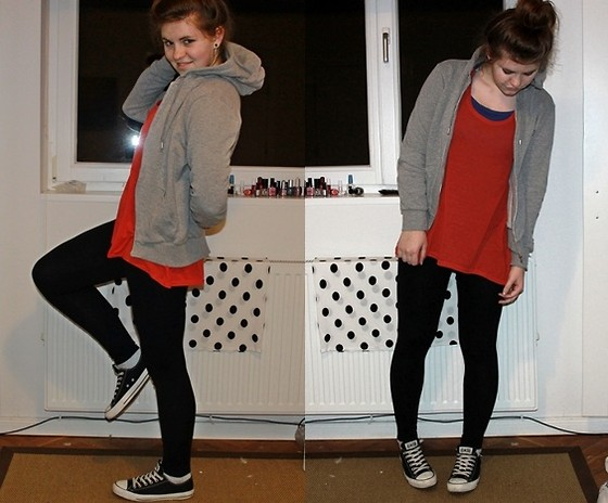 Natascha C - H&M Red Oversize Singlet, Cotton On Leggings, Converse, H&M Hoodie, Jay Jays Blue Long Sleeves - I don´t take the time to look back