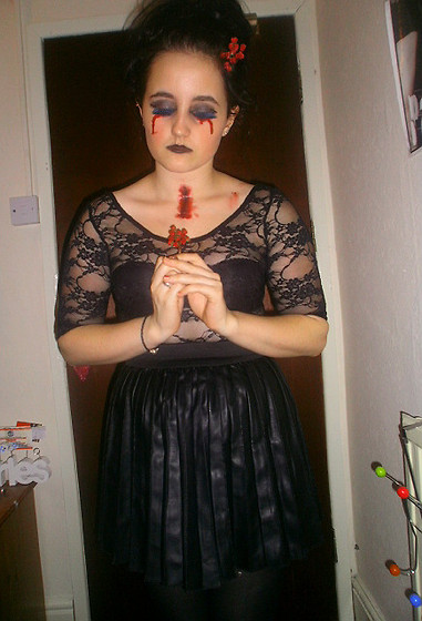 Ashley M - Diy Flowers, Diy Eyelashes, Primark Skirt - HAPPY HALLOWEEN