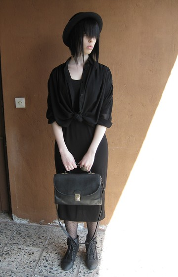 Elina Laakso - Second Hand Bag, Gina Tricot Sheer Blouse - Sunfeel