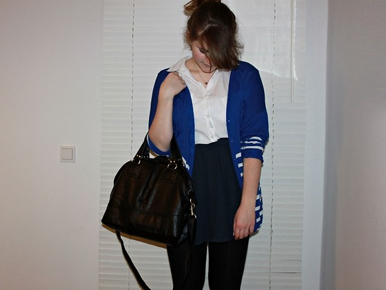 Natascha C - H&M Blue Vintage Cardigan, Topshop Heart Necklace, New Look White Shirt Dress Worn As Shirt, H&M Navy High Waisted Skirt, H&M Leather Bag - Enter Shikari - Sssnakepit