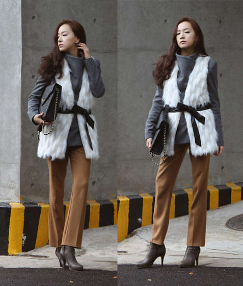 Becky Baek - Gray Zipper Wool Jacket, White Fur Vest, Black Bag, Camel Straight Pants, Brown Ankle Boots - Fur vest