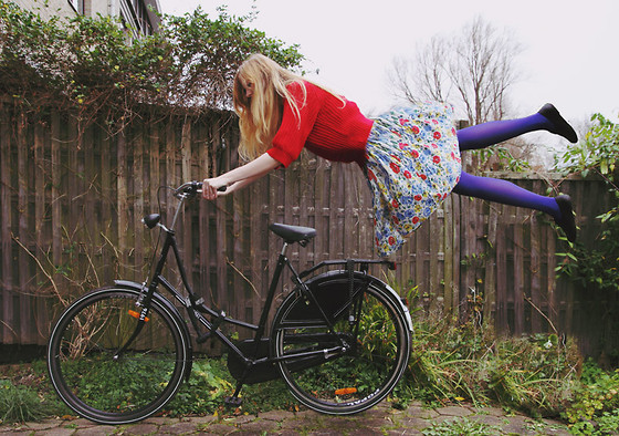 Zuzi * - Blue Tights, Floral Dress, Red Sweater - Crazy weather