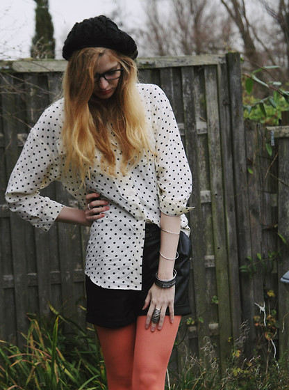 Zuzi * - Diy Hat, Iwearsin Orange Tights, Beginning Boutique Ring, H&M Bracelets, Romwe Shirt, Proopticals Glasses - Geeky look