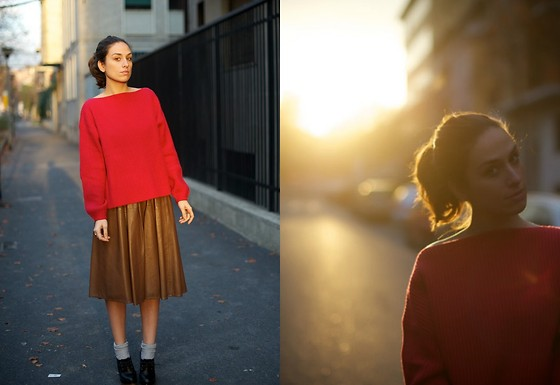 Erika Boldrin - H&M Red Sweater, Vintage Lather Skirt, Marc By Jacobs Grey Socks, Marni Super Heels - The sunset is my favorite times wherever I am.