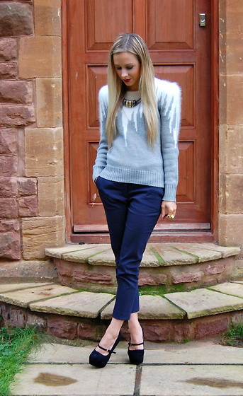 Daniella Robins - Topshop Sweater, Whistles Trousers, Topshop Shoes - Christmas Sweater