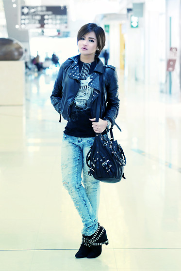Raleene Cabrera - Zara Boots, Giorgio Armani Watch, Michael Kors Bag, Sm Jeans, Band Shirt - Sniffly