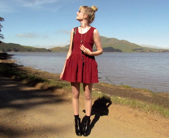 Amy Dunn - Vintage Cord Pinafore Dress, Topshop Wedges - Simple maroon corduroy