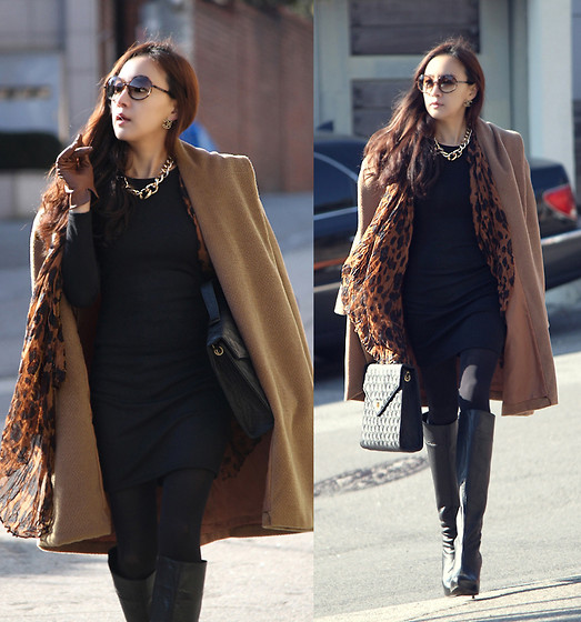 Becky Baek - Shawl Collar Long Coat, Black One Piece, Lepard Scarf, Black Tote Bag, Black Long Boots - On the road